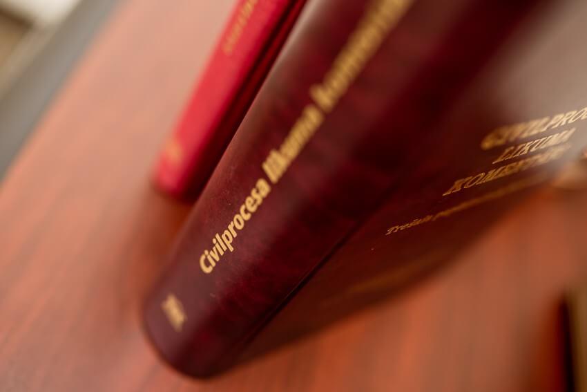 Juridiskās palīdzības sniegšana un pārstāvība civilprocesā tiesā un šķīrējtiesā