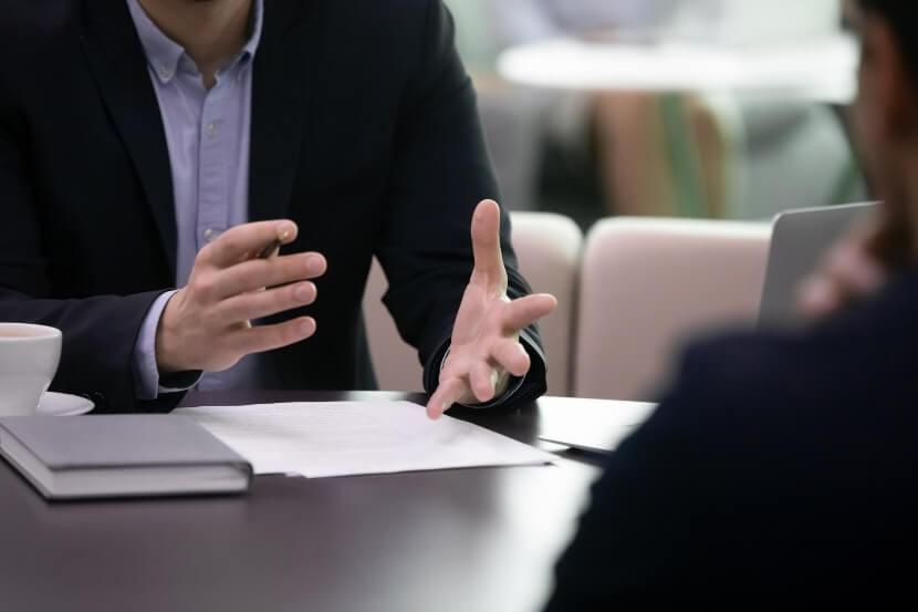 Konsultācijas un juridiskās palīdzības sniegšana