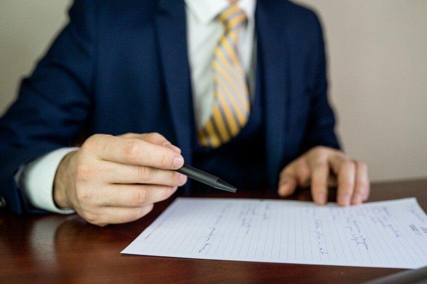 Juridiskās palīdzības sniegšana, pārstāvība un aizstāvība kriminālprocesā iestādē un tiesā
