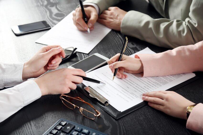 Prasība pret privātpersonu segt uzņēmuma saistības gandrīz 1 miljona eiro apmērā
